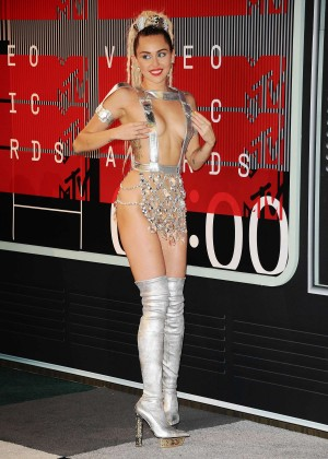 Miley Cyrus: 2015 MTV Video Music Awards in Los Angeles [adds]-23